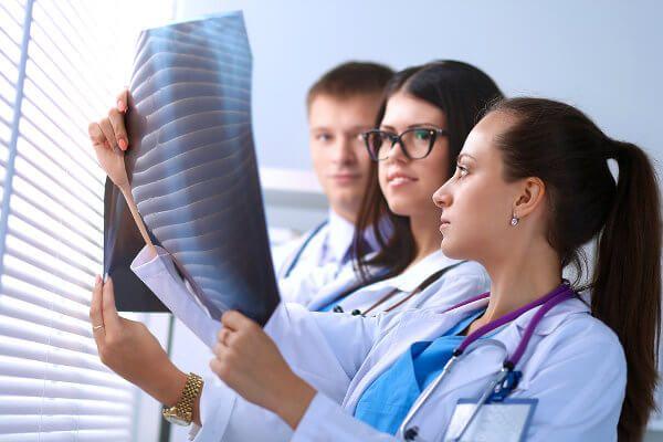 Ressonãncia, tomografia, telerradiologia, motivação de funcionários