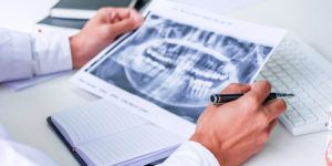 A leitura do médico radiologista