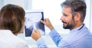 médicos radiologistas qualificados