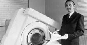 inventor da tomografia computadorizada